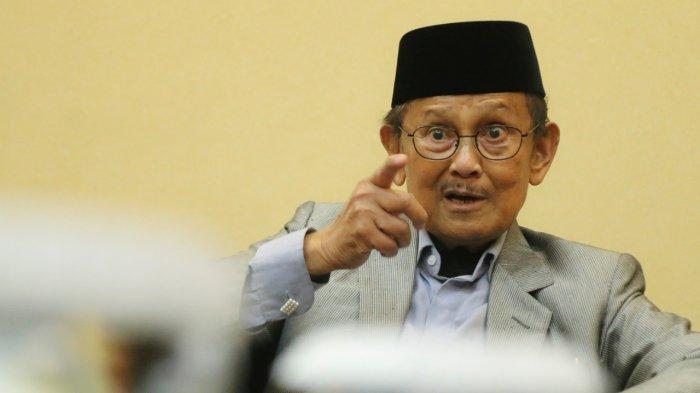 Habibie Terima Telepon Mengejutkan di Ujung Kekuasaan Soeharto