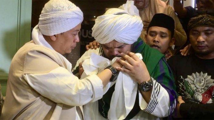 Keturunan Nabi Muhamad SAW ke-39 Ungkap Keaslian Rambut Rasulullah yang Dibawa Opick