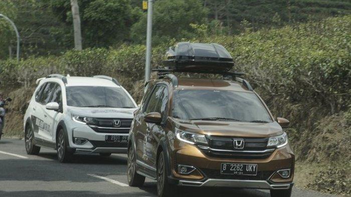Wajib Diperhatikan Saat Pasang Roof Box di Mobil, Ini Aturan dan Bahayanya