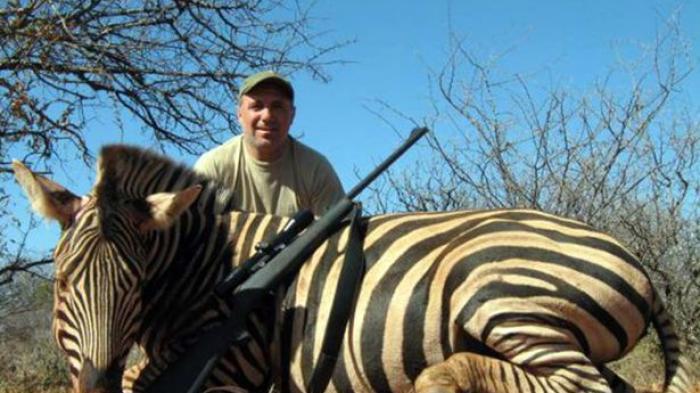 Hobi Berburu Binatang di Afrika, Hristo Stoichkov Dikecam - Bangka Pos