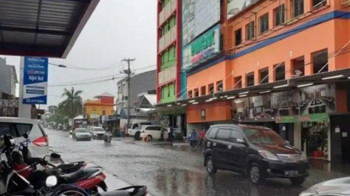 Jalan Licin saat Musim Hujan, Kasat Lantas Polres Pangkalpinang Imbau Berhati-hati Berkendaraan