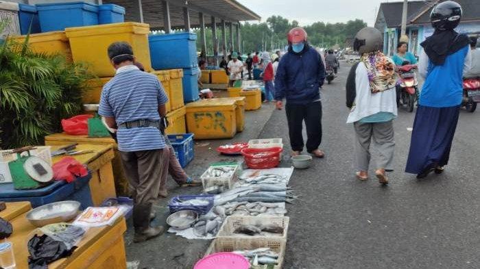 Cuaca Ekstrem, Pasokan Ikan Berkurang Harga Naik