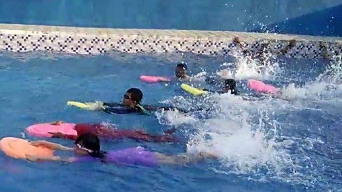 Kapan Anak-anak Bisa Ikut Pelatihan Berenang? Ini Penjelasan Pelatih Makruf