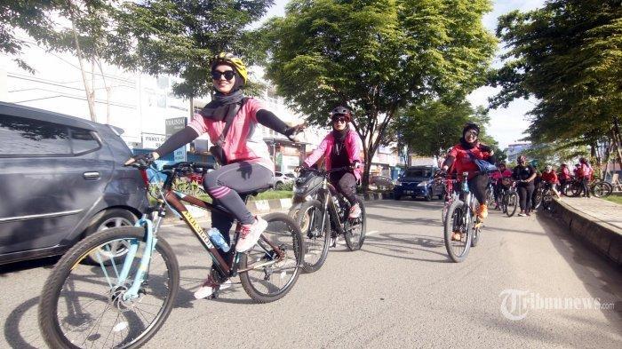 Alasan Kenapa Pengemudi Mobil dan Motor Harus Waspada Saat Bertemu Rombongan Pesepeda