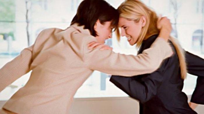 Diingatkan Malah Tersinggung, Emak-emak Ini Tega Gigit Jari Tetangganya hingga Putus
