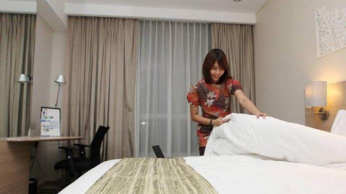 Bolehkah Merapikan Sprei Kamar Hotel saat Check Out?