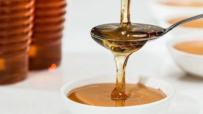 Ilustrasi menuangkan madu