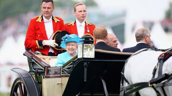 Bukan Pangeran Charles, Ternyata Ini Anak Kesayangan Ratu Elizabeth II