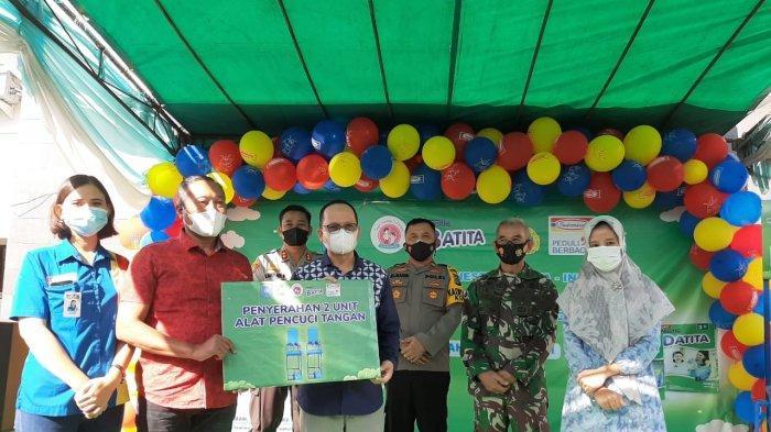Indomaret & Nestle Bersama Pemkab Bateng Serahkan  650 Paket Sembako di Kampung Tegep Mandiri