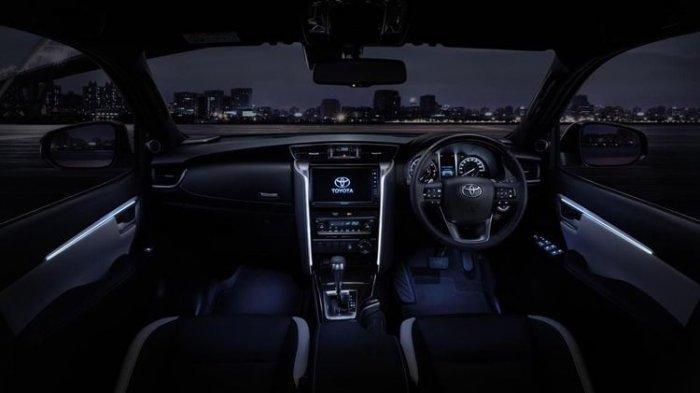 Interior Toyota Fortuner 2020