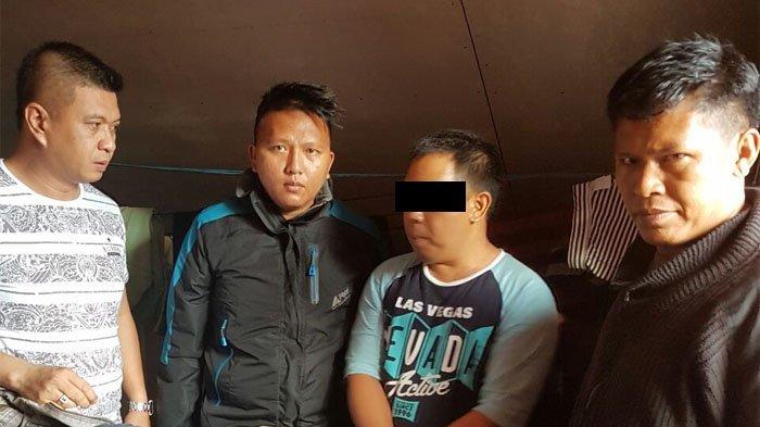Digerebek Polisi, Oknum ASN Pemkab Ini Dipergoki di Atas Plafon Rumah Wanita