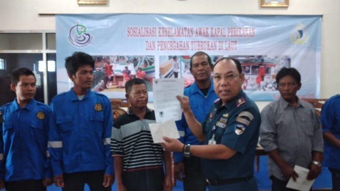 Tahun Ini 1000 Buku Pelaut dari KKP RI untuk Nelayan Bangka Belitung