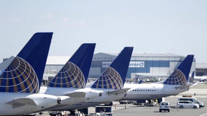 Pilot United Airlines Tunda Penerbangan, Semua Penumpang Mendadak Batuk di Kabin Gara-gara Merica