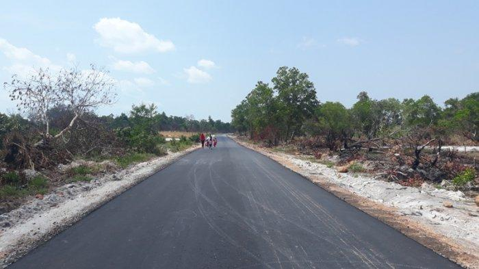 Bersyukur Miliki Akses Jalan Bagus Sepanjang 3,2 KM, Warga Dusun Sungai Tebok Gelar Syukuran