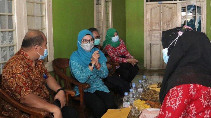 Rangkaian Harganas 2021, Istri Gubernur Bangka Belitung Kunjungi Posyandu Melati