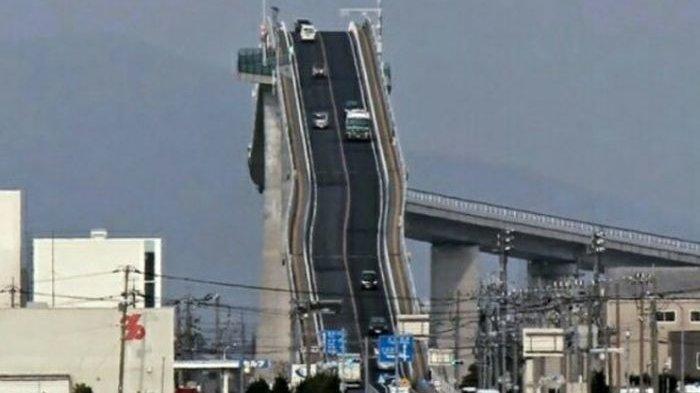 Penampakan Eshima Ohashi, Jembatan Curam di Jepang, Tingkat Kemiringannya Hampir 90 Derajat