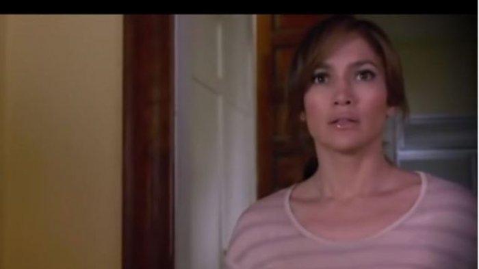 Jennifer Lopez dalam film The Boy Next Door