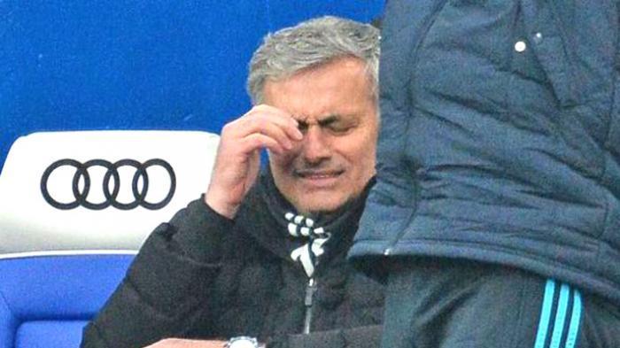 Mourinho Siap Geser Van Gaal dari Kursi Pelatih MU