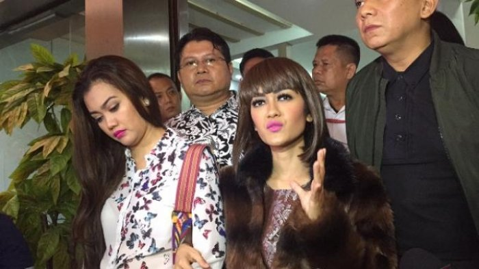 Julia Perez Ngaku Tak Masalah Berurusan Hukum dengan Nikita Mirzani dalam Kondisi Tubuh Tak Fit