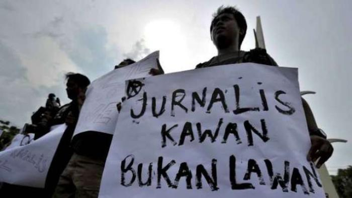 Awas ! Oknum Wartawan Bermodal Lencana Berlogo PWI Datangi Pengusaha