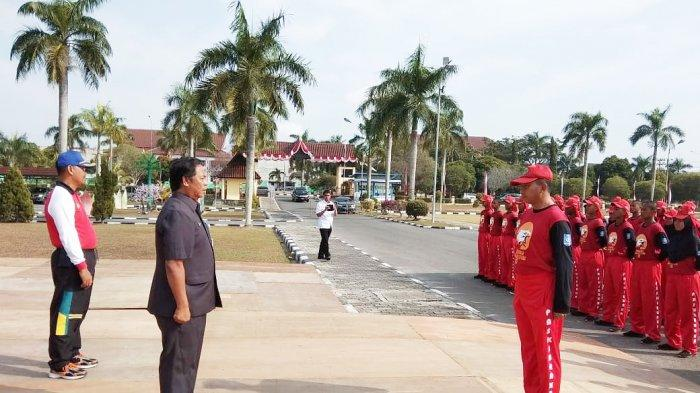 Kadiskepora Suharto Tinjau Latihan Paskibraka Babel