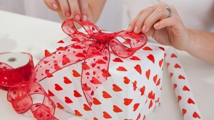 Tidak Melulu Harus Cokelat atau Bunga, Intip Ide Hadiah Untuk Valentine Buat yang Tersayang
