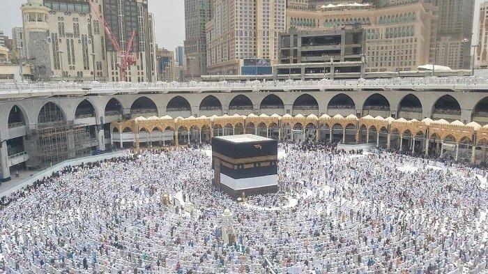 Pakai 670 Kg Sutra Alami, Ini Sekelumit Kisah di Balik Penutup Kabah di Mekkah