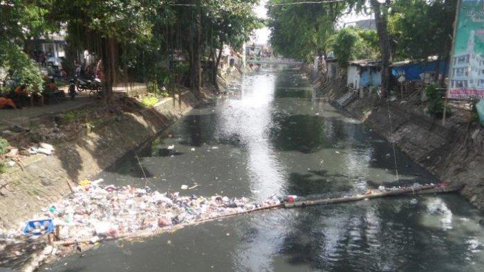 NEWS VIDEO: Kali Sentiong yang Sempat Kinclong saat Ahok Aktif Kini Dipenuhi Sampah