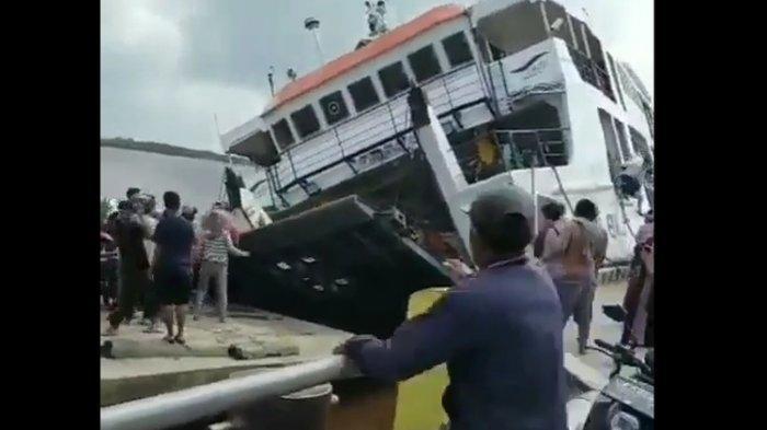 Detik-detik Menegangkan Video Kapal Terbalik di Pontianak, Penumpang Berhamburan Menyelamatkan Diri
