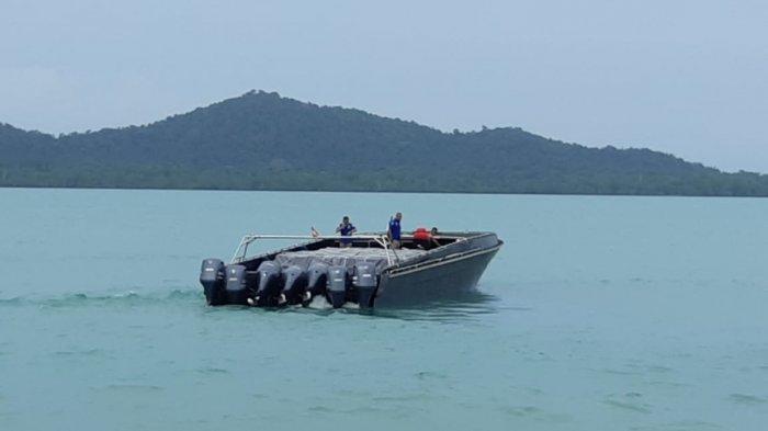 WOW Harga 'Kapal Hantu' Penyeludup Miras di Bangka Belitung Setara Dua Mobil Dinas Presiden Jokowi