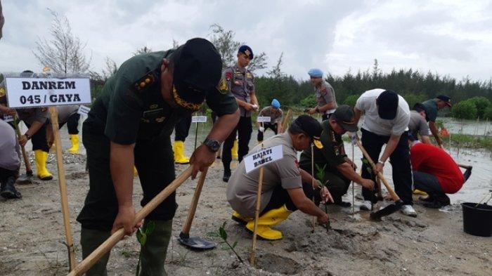 7.000 Pohon Penghijauan Ditanam Polda Bangka Belitung