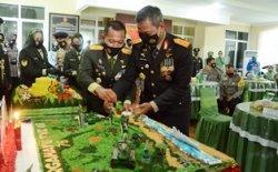 Kapolda Babel Beri Kejutan Kepada Danrem Pada HUT ke-75 TNI