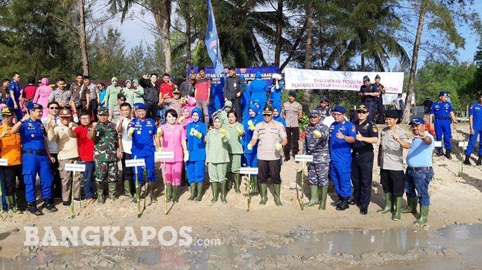 Pimpin Penanaman Mangrove, Kapolda Bangka Belitung Minta Pohon Dipelihara Jangan Sekedar Seremonial