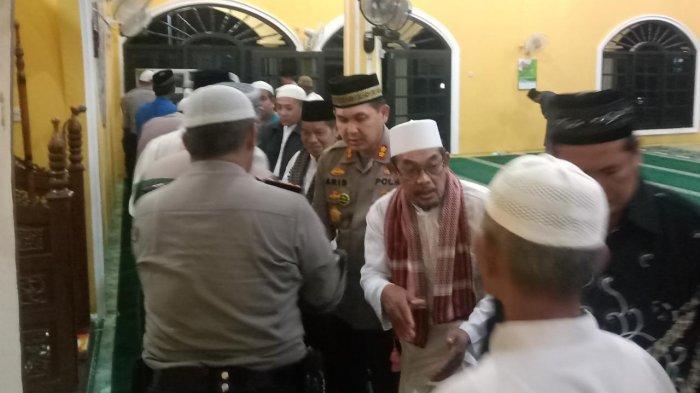 Kapolres Bangka Natak Masjid Malam Hari