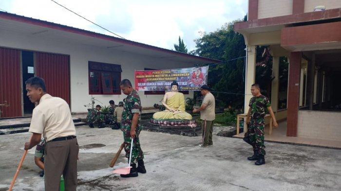 Hari Juang Kartika ke-73, Prajurit Kodim 0414 Belitung Bersihkan Area Vihara