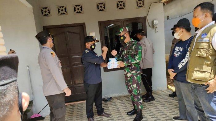Kapolda Sambangi Rumah Karantina dan Posko Covid-19 Desa Jebus, Hendry: Kami Siap Lawan Covid-19