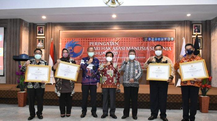 Lima Kabupaten/Kota di Bangka Belitung Terima Penghargaan Peduli HAM