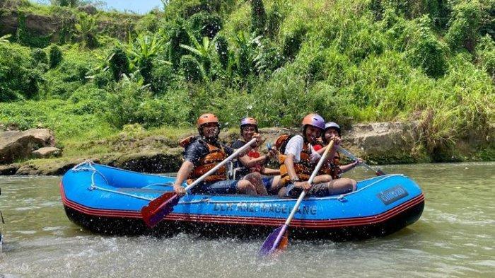 Pacu Andrenalin Rafting di Sungai Elo di Kabupaten Magelang Tawarkan Sensasi Wisata Alam