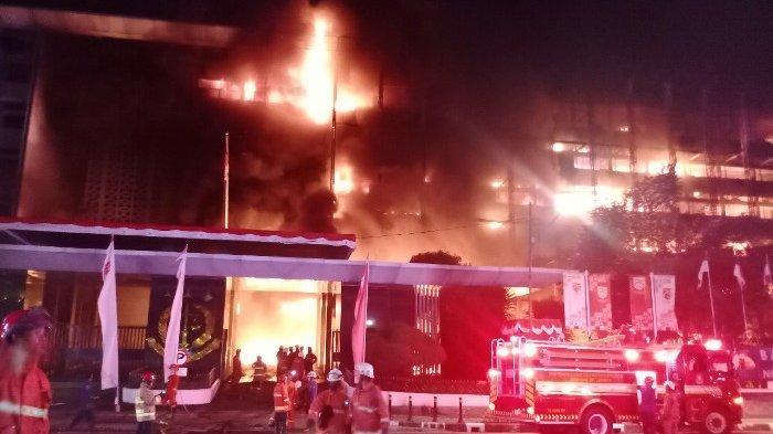 5 Tukang Bangunan Jadi Tersangka Kebakaran Gedung Kejagung dengan Kerugian Rp1,12 T, Gegara Merokok