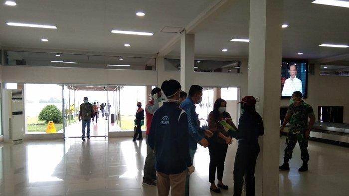 Penumpang di Terminal Kedatangan Bandara HAS Hanandjoeddin Wajib Isi Formulir Deklarasi Kesehatan