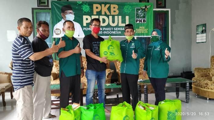 Partai Kebangkitan Bangsa Berikan Bantuan Paket Sembako untuk Para Jurnalis di Kabupaten Bangka