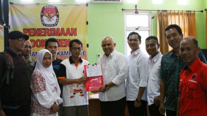 Diketuai Fezzi Uktolseja, Tim Kampanye Jokowi-Maruf di Belitung Timur Mendaftar ke KPU