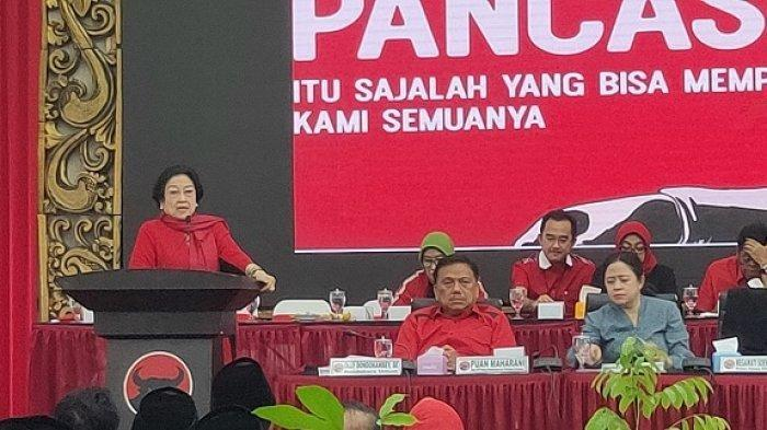 Megawati Merasa Jengkel : Kalau Anaknya Tak Bisa Jangan Dipaksa Maju di 2024, Nyindir Siapa?