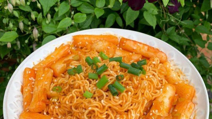 Yuk Cicipi, Pedasnya Tteokbokki dan Gurihnya Mozarella Corndog, Jajanan Korea Murah di Kfood Bangka - kfood7.jpg