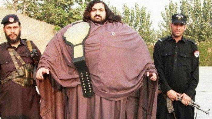 Berat Badannya 436 Kilogram, Pria Ini Mengklaim Dirinya Hulk dan Pernah Angkat Beban 5.000 Kilogram