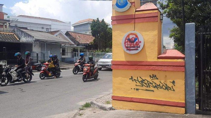 Tim Naga Polres Pangkalpinang Kejar Pelaku Pencoretan Logo PGK di Taman Vertikal Semabung
