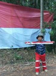 Pecinta Alam, Pelajar dan PMI Basel Kibarkan Bendera Merah Putih di Gunung Muntai