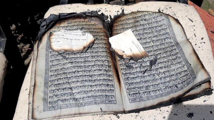 Kitab suci Alquran selamat dalam kebakaran empat rumah di Gampong Neuheun, Kecamatan Batee, Pidie, Rabu (23/12/2020).