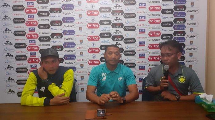 Pelatih Babel United FC Putu Gede Pertanyakan Keputusan Wasit Soal Kartu Merah Riski Novriansyah