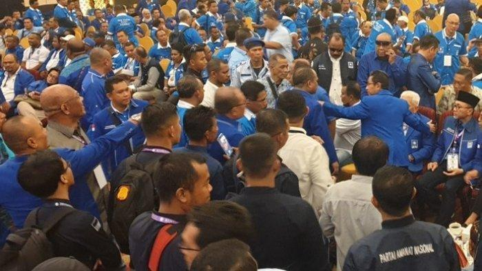 Peserta Saling Dorong dan Lempar Kursi Saat Kongres PAN, Zulkifli Hasan: Zulhas di Sini Saudaraku